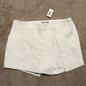 Express skort wrap shorts skirt 6 Cream white NEW